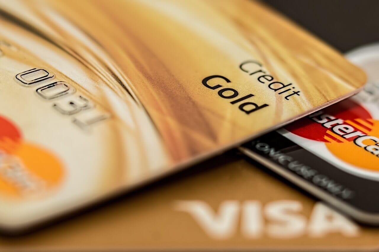 Visa Premier ou MasterCard Gold : Comment faire son choix ?
