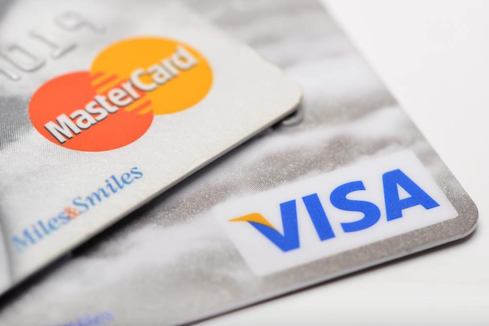 Carte Visa ou MasterCard : laquelle choisir ?