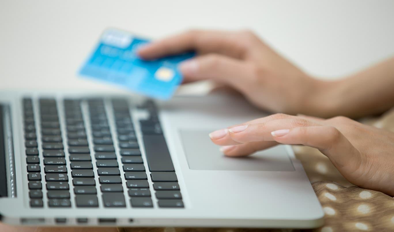 Banque en ligne sans frais bancaire : choisir l'offre adaptée à ses besoins