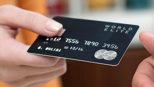 carte bancaire la plus prestigieuse : World Elite vs Visa Infinite