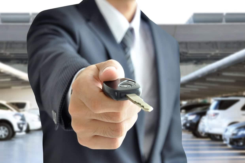 Comparatif LOA et crédit classique : que choisir ?
