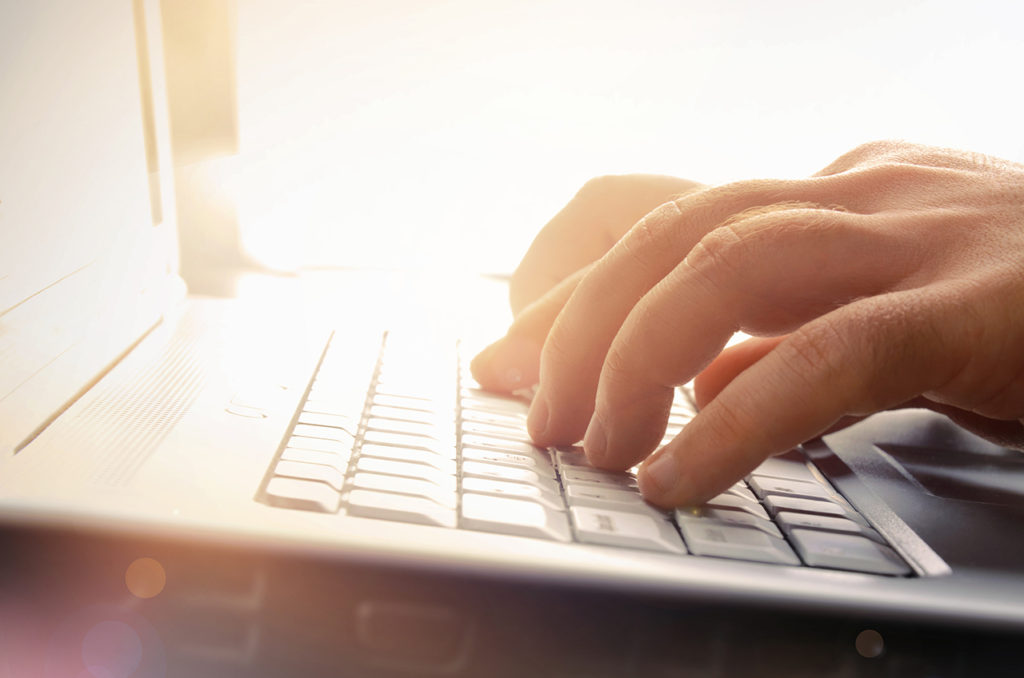 Ouvrir un compte dans une banque en ligne quand on est au RSA