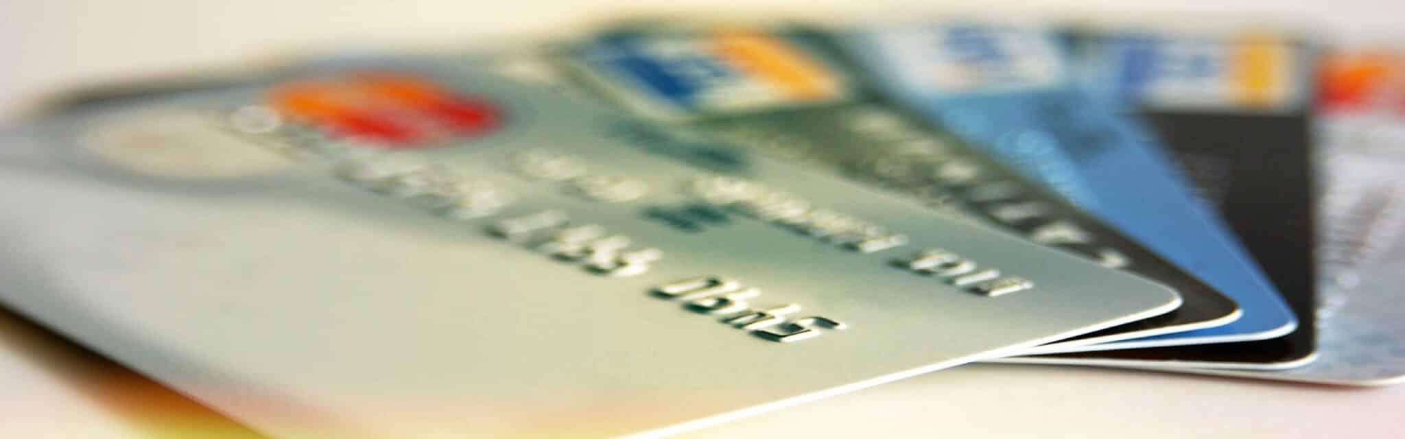 Carte bancaire relief et sans relief : les différences