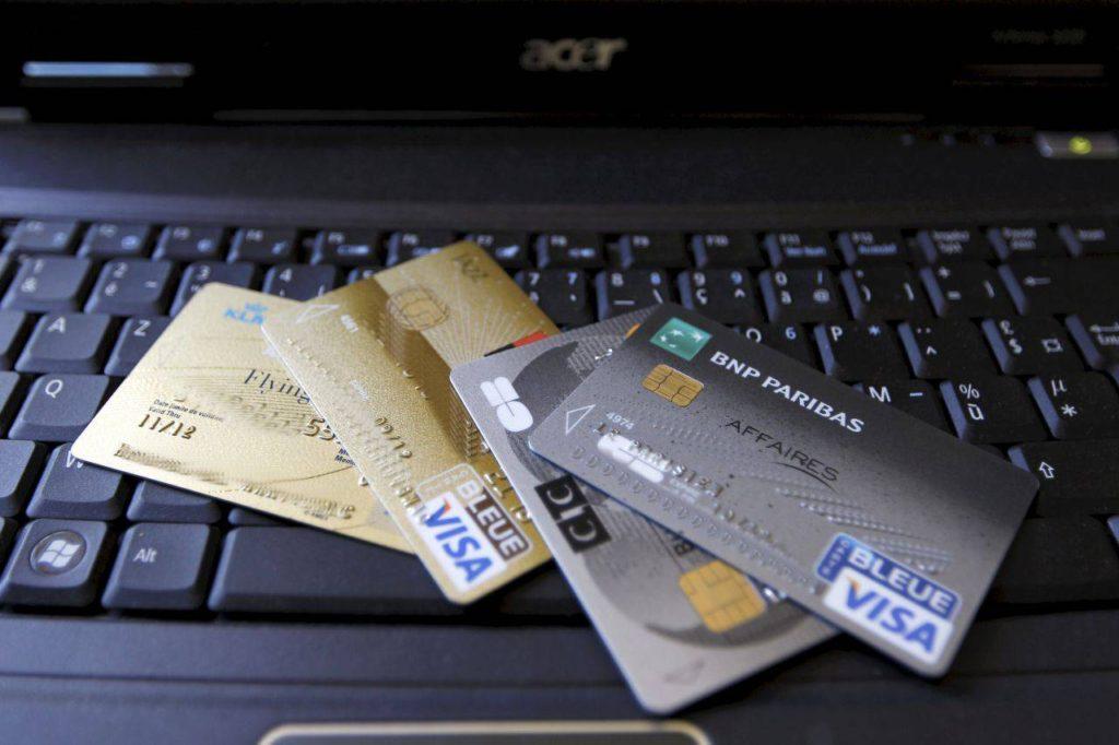 Les offres de CB haut de gamme des banques en ligne