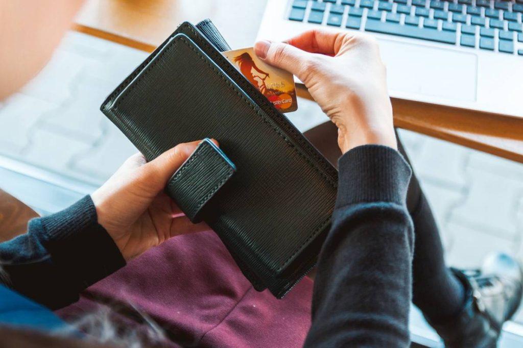 Choisir une banque pour souscrire un compte bancaire professionnel gratuit