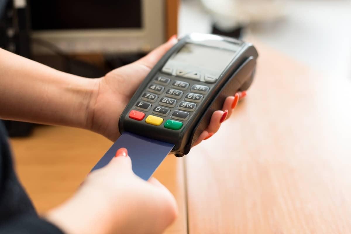 Payer avec une carte bancaire Visa Electron
