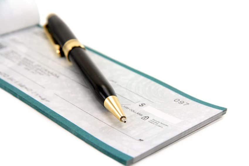 Déposer un chèque en agence de banque en ligne