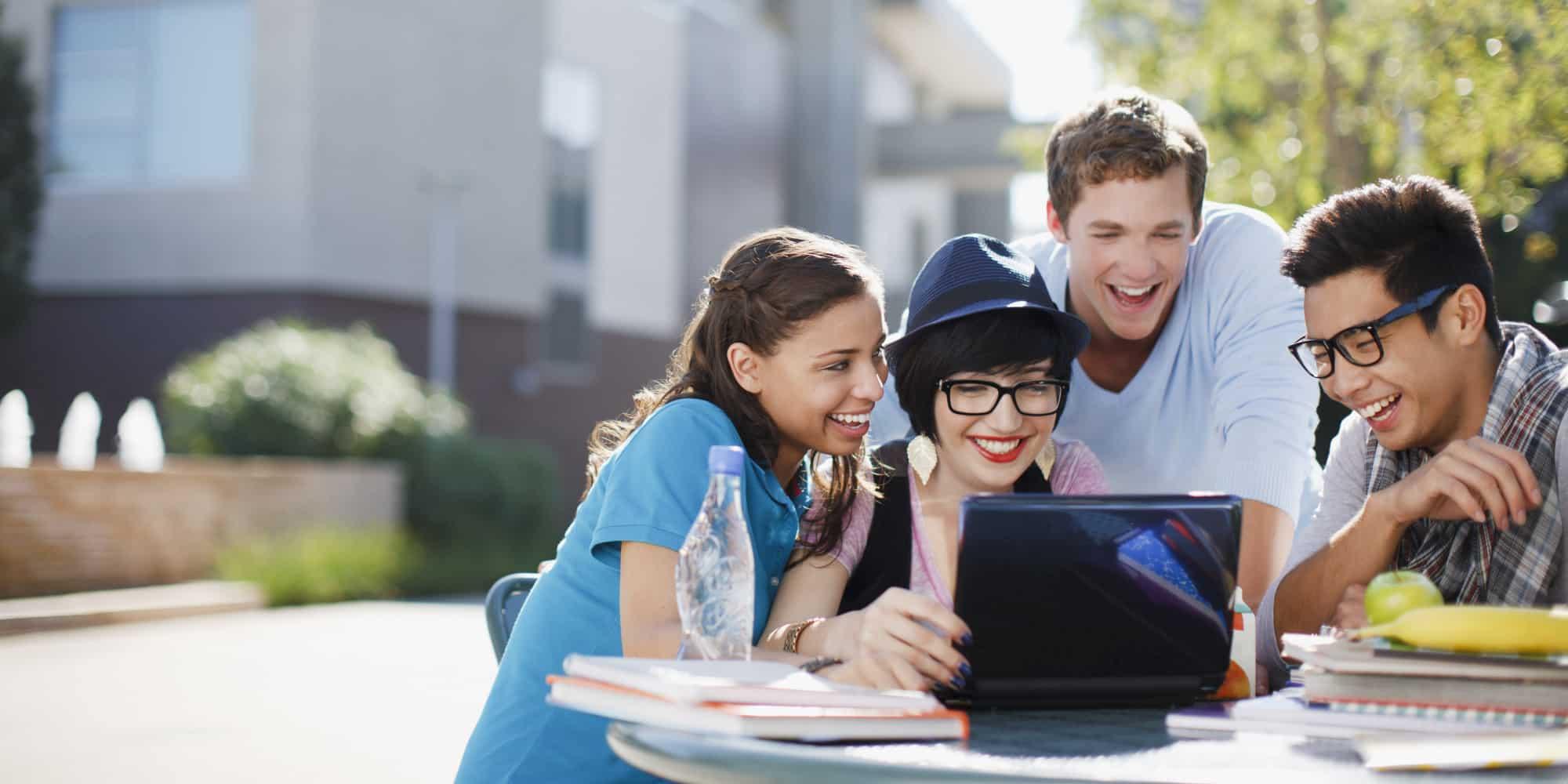 ouvrir un premier compte bancaire en ligne