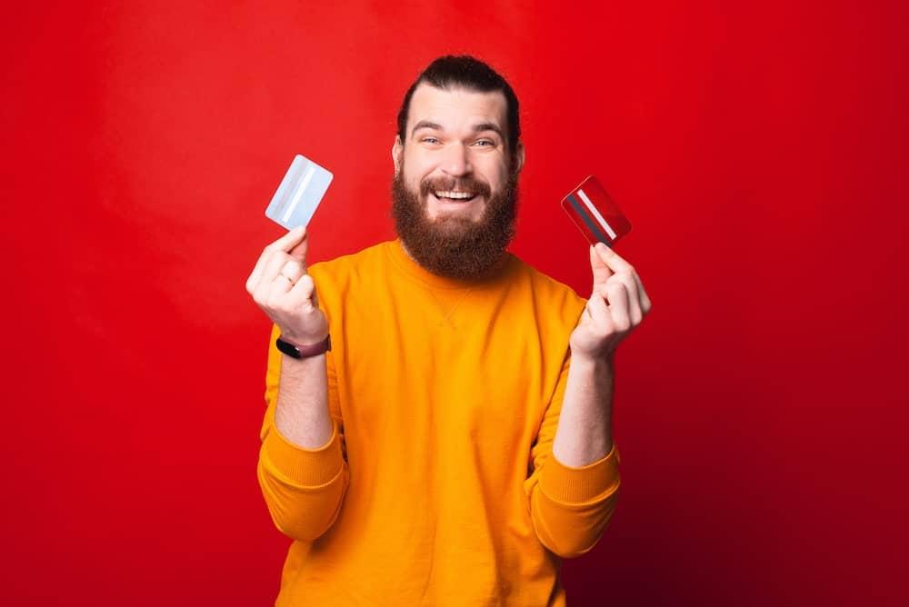 Mastercard Gold ou Visa Premier